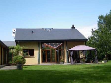 Etalle-Sivry  Villa 4 façades en excellent état à l'orée du bois sur un terrain de 50 ares