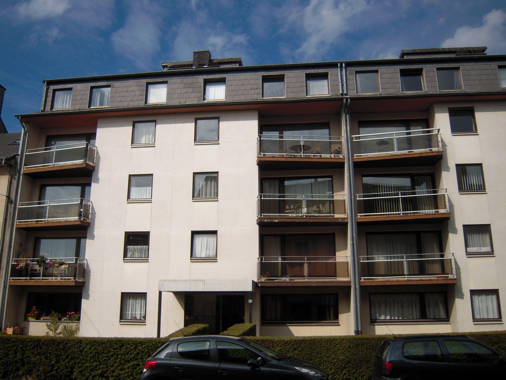 ARLON – Appartement 2 chambres dans quartier résidentiel avec garage